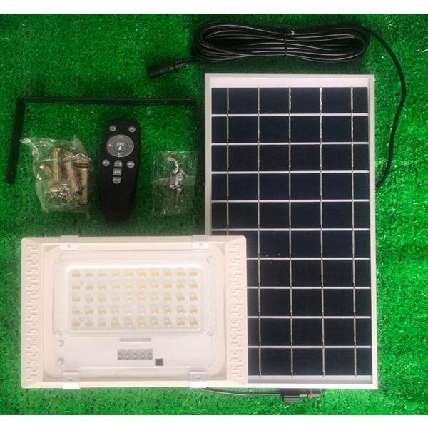 Đèn led năng lượng mặt trời VR8750-PIR (50w), có cảm biết chuyển động