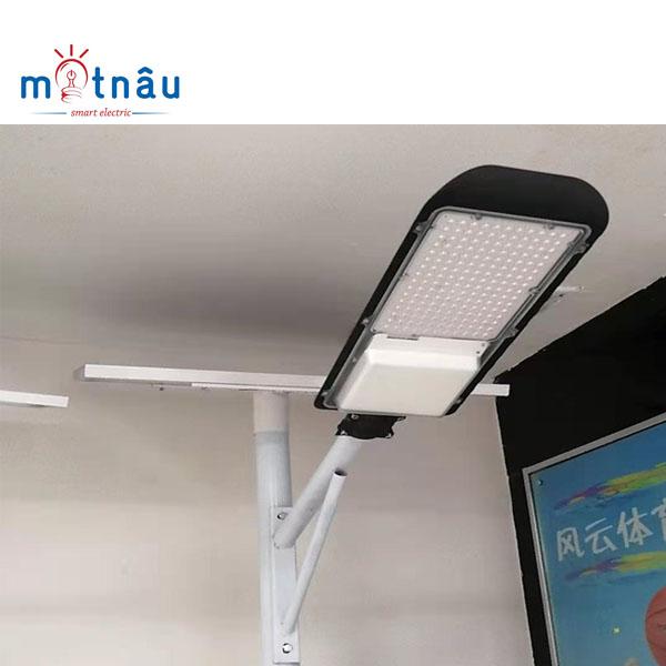 Đèn led năng lượng mặt trời cao cấp công suất 200w